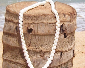 Mother of Pearl Button Lei Long Necklace Vintage Buttons