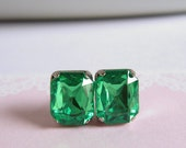 Old Hollywood Style Studs Earrings - Faux Gems - Peridot