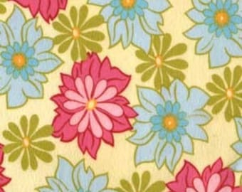 Flannel Fabric Ginger Blossoms in Breeze 1/2 Yard by Sandi Henderson for Michael Miller Fabrics
