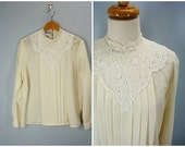 Victorian Blouse / 1980s Cream Lace Blouse / Pleated Front L