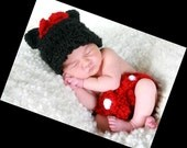 SALE use coupon code SPRING5 15% OFF-----     Minnie or mickey Mouse set   Hat and diaper cover Newborn -12 month