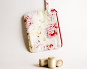 White red Bridal Wedding pouch, cosmetic, make up, wristlet, purse by Chapulin