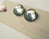 Faceted grey cabochon earrings