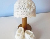 Cream Beanie and Ballerina MJ Bootie Set