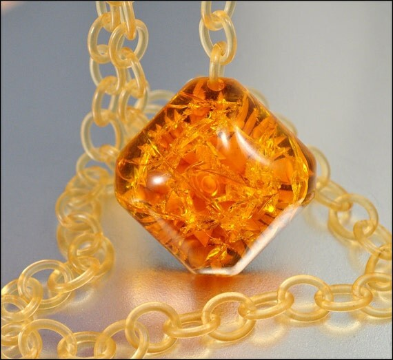 Prystal Amber Bakelite Necklace Apple Juice Carved Edelweiss Flower Celluloid 1930s Vintage Jewelry
