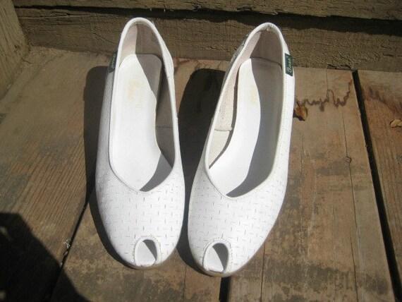 SALE...Vintage White Peep-toe Bass Wedge Heels