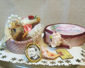 miniature memories box