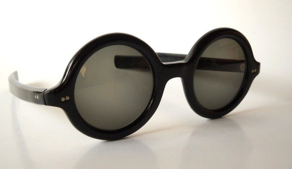 SPRING SALE 20% OFF Vintage Ultra Mod French Round Sunglasses