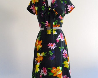 Sunday Brunch Floral Sun Secretary Mini Dress . XS . small . SM . D192 .