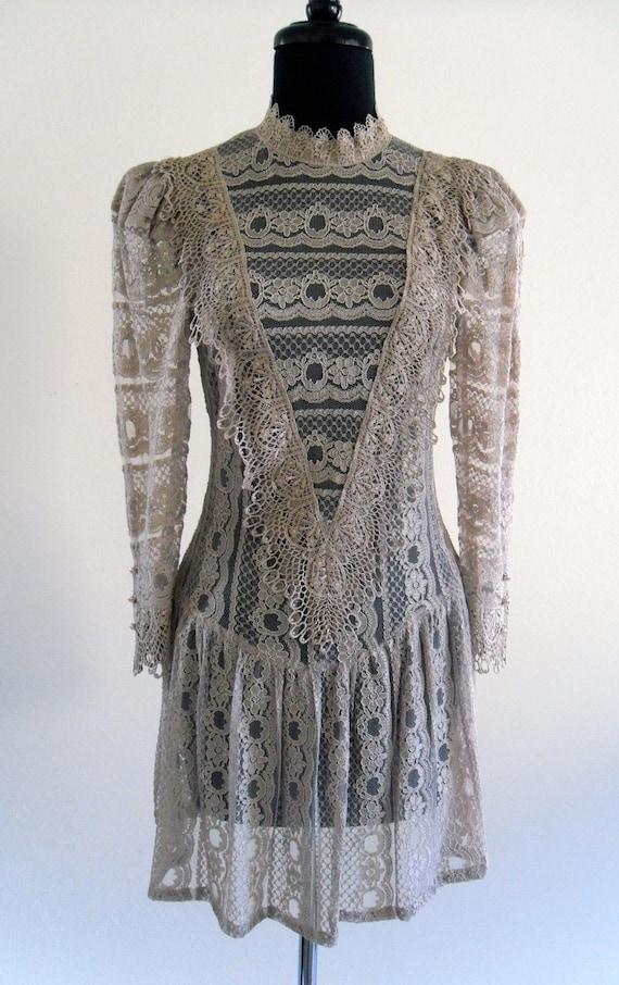 SaLe /// Isla Lace Dress . SM . medium . ML . D070