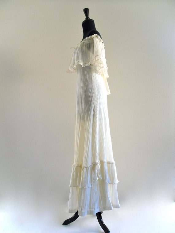 BoHo iVoRy eTheReaL CottoN CriNkLe TieRed HiPPie RuffLe LaCe EmPiRe GoDDeSs WeDDing DreSs MaXi Gown . XS . small . SM . hanger