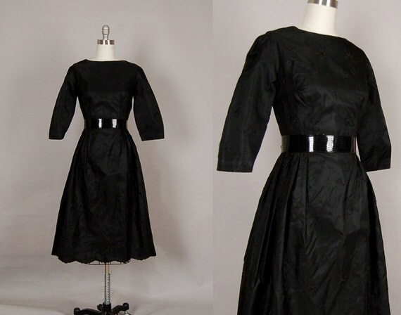 vintage 1950s dress 50s dress full skirt black embroidered floral taffeta