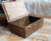 primitive dovetail box quarter-sawn oak and curly cherry