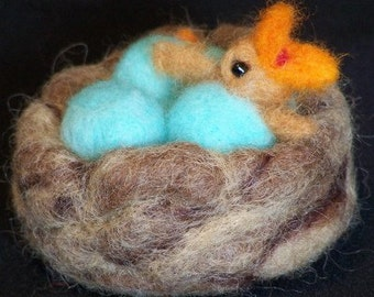 Needle Felted Birds Nest with Hatching Baby Bird & Eggs - Needlefelt Bird - Felt Nest with Eggs - Home Decor - Soft Sculpture