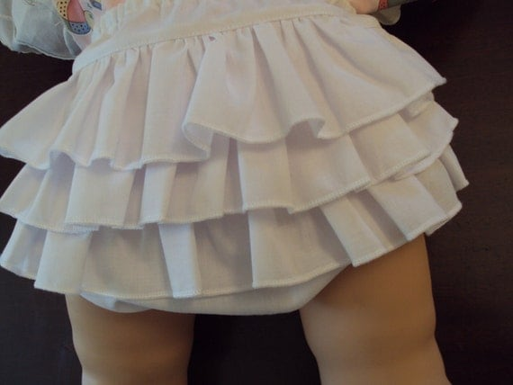 NOW ON SALE Diaper Cover ........Ruffled Bloomers for Newborn Infant