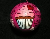 I Love Cupcakes and Cupcakes Love Me Ornament (Item number 540)