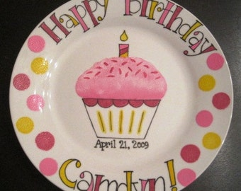 Hand Painted Happy Birthday Plate . Personalized Gift for Baby Girl . Cupcake with Frosting and Sprinkles