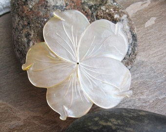 Mother of Pearl Pendant, Flower Pendant, Focal Piece, Natural, Wholesale, Loveofewelry, SKU 4828