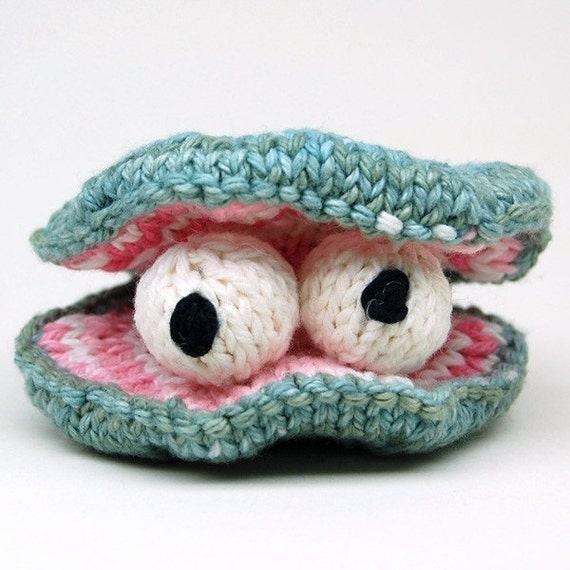 How To Knit Amigurumi For Beginners : Chowder Clam Knit Amigurumi Plush Toy Pattern by cheezombie
