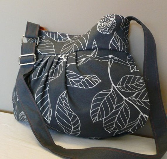 Everyday bag ,Pleated Bag, Shoulder bag , Adjustable strap, Grey Canvas with leaves, cross body