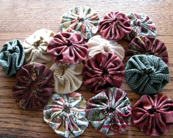 Cranberry and Green Yo-yo collection