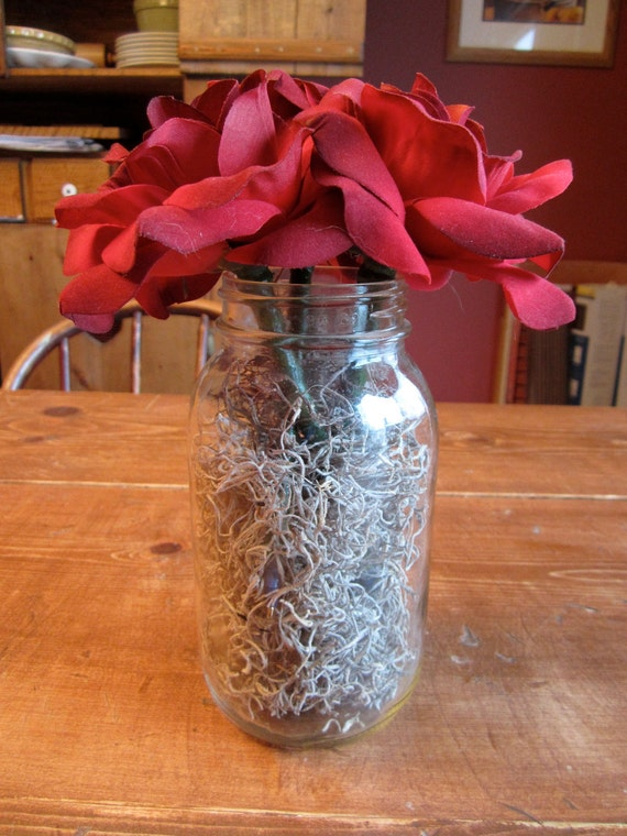 Red Rose fabricated flower pens with a glass mason jar