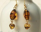 Earrings Tortoise Swirled Glass Heart Dangles Brown Amber ER-049-NNh