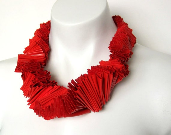 red ruffled necklace, fashion statement necklace, avant garde jewelry designed by frankideas, bright color, bright jewelry