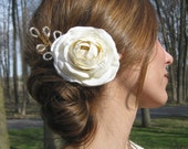 1/2 OFF SALE - winter white ranunculus hair adornment - Vintage Elegance