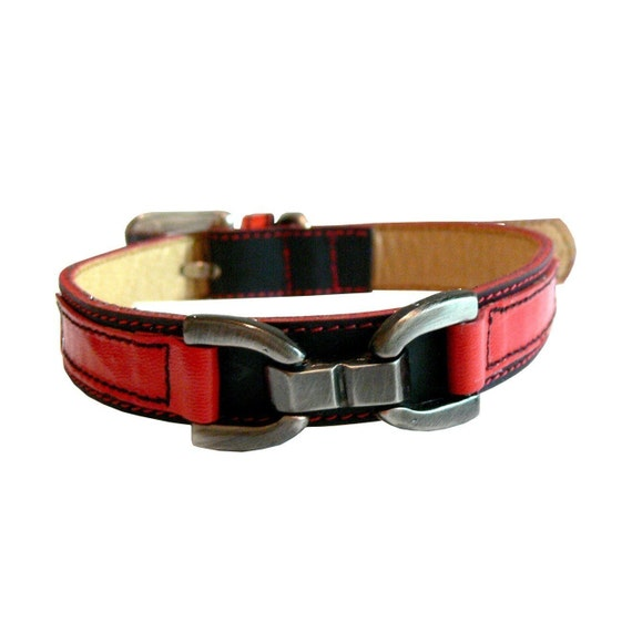 XL Cool Leather Dog Collar Black and Red
