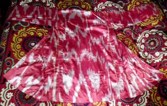 VINTAGE UZBEK HAND LOOMED IRIDESCENT IKAT KAFTAN COAT RED AND WHITE