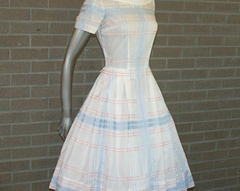 Pretty Polished Cotton Vintage 50's L'Aiglon White Spring Summer Day Dress Full Skirt