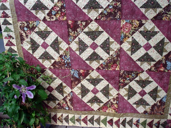 Lap Quilt in Traditional Rose Color with Flying Geese Border