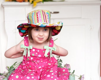 Girls sun blocking hat, cotton, wide brimmed hat, beach wear with kitties and polka dots, foldable sun hat