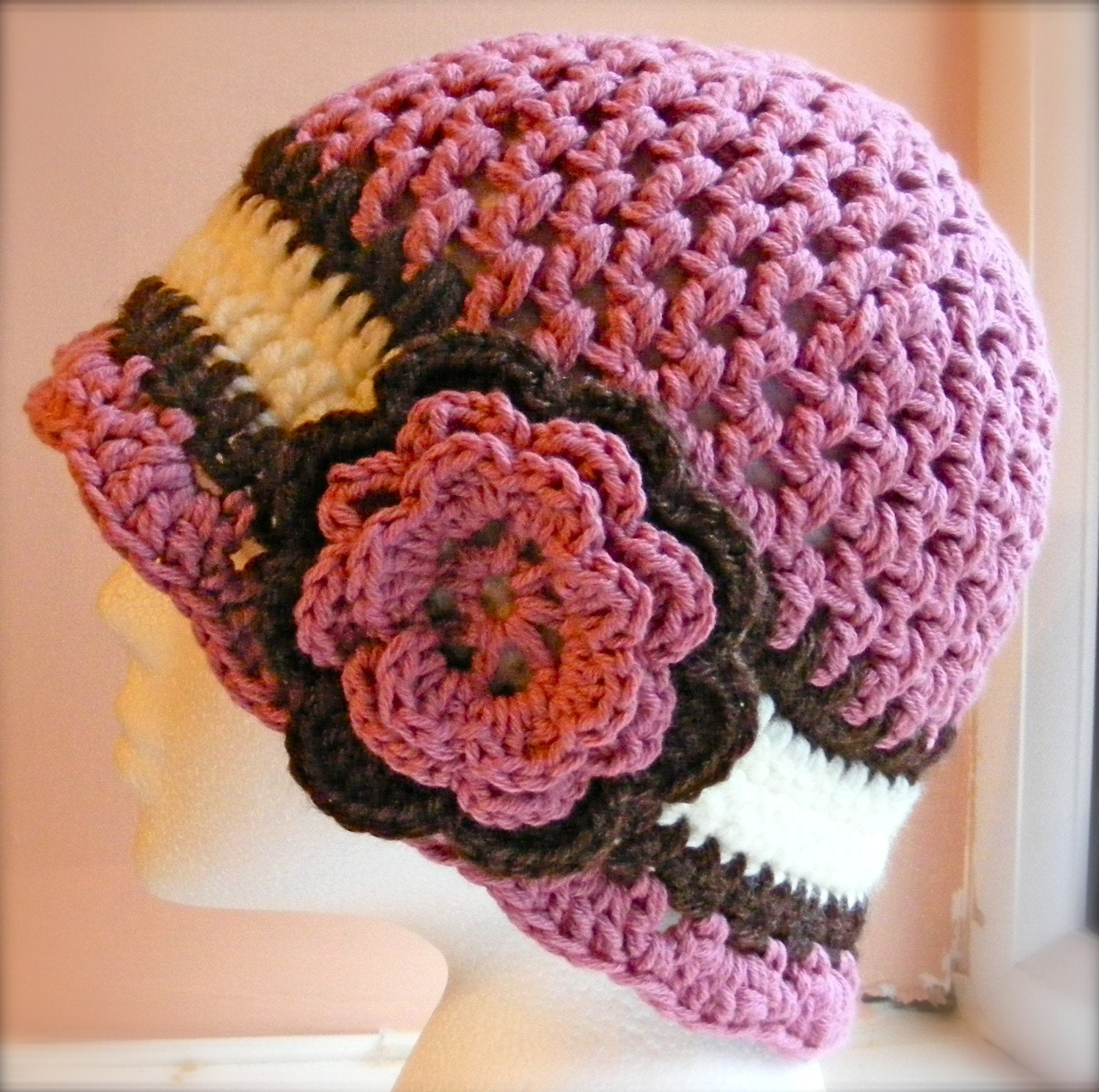 Crochet Hat Patterns Flowers : Ladies Cloche Hat Crochet Pattern Hat with Flower Ladies