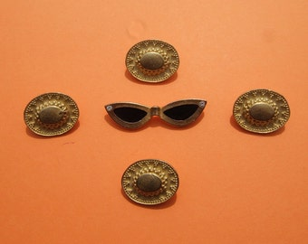 SUNHAT AND SUNGLASSES BUTTON SET WAS  6.50 NOW  5.00 SALE SALE SALE