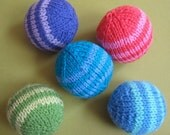 PDF pattern, mini ball, sport weight yarn, two tone, quick and easy