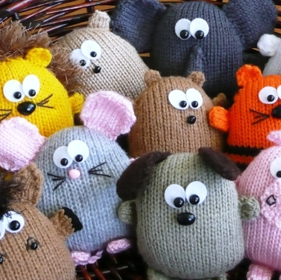 Free Animal Knitting Patterns : Peters Pals hedgehog dog lion tiger horse pig elephant