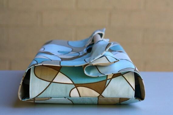 Beautiful swirl casserole carrier