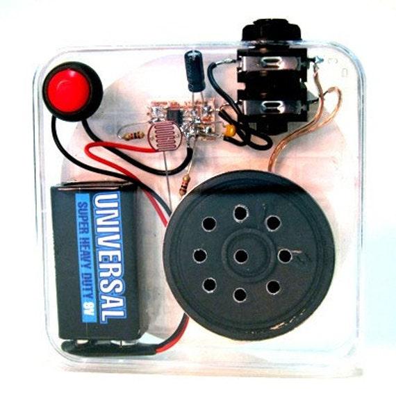 Beep-it optical theremin