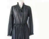 SALE - vintage 70s day dress, black and white pinstripe floral, s m