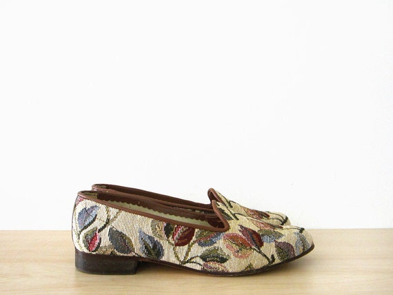 vintage 90s tapestry flats, cream floral print loafers, size 8 38.5