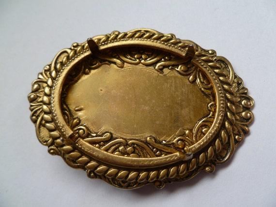 Cabochon Setting- Vintage Pin Back