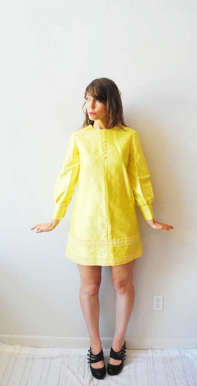 60s Mod Yellow Mini Dress with Lace Embellishment