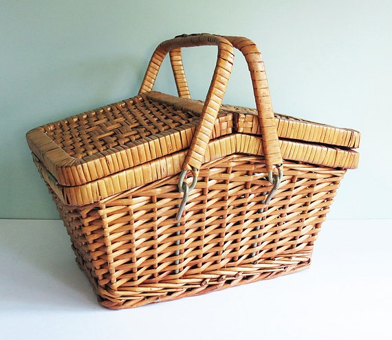 Small Vintage Picnic Basket, a Woven Wicker Classic