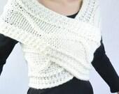 Super Slim - Cross Sweater/Capelet/Neck warmer in cream/ Off white