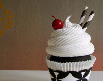 Fake Cupcake 12 Legs Original Black/White Tres Chic Cupcake Collection Tres Chic Black White Sundae Large Standard Size