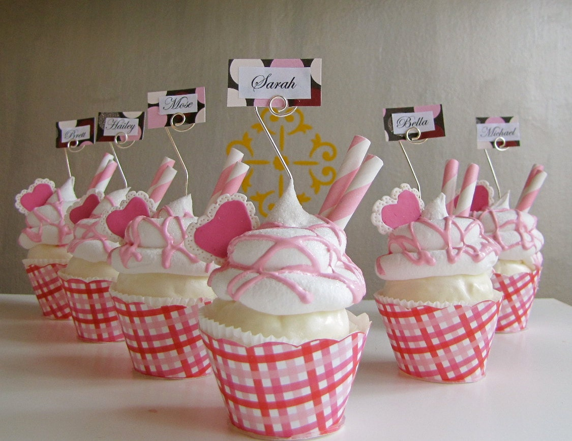 Fake Cupcake Valentines Day Name Or Place Card Holder Picture