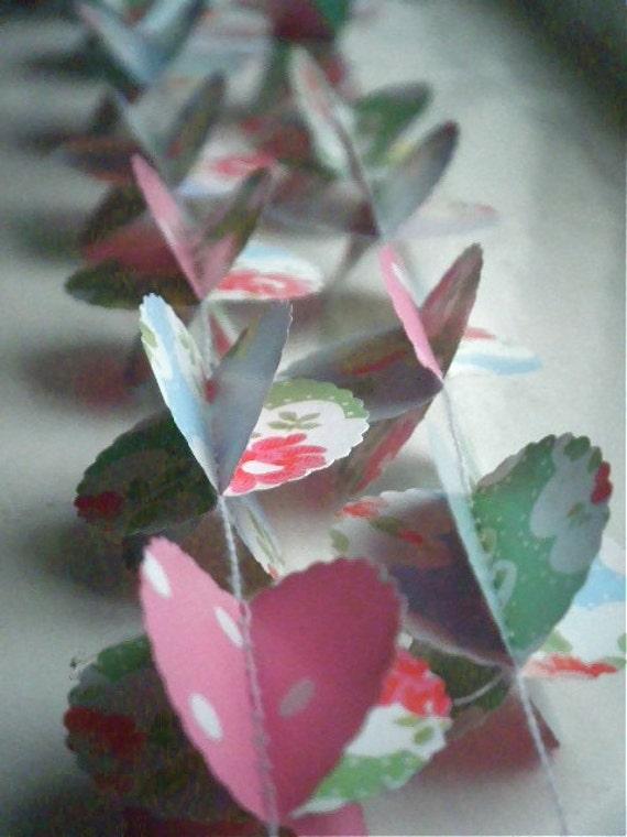 Bloom 3D Paper Garland Scalloped Circles