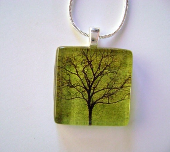 Tree of Life Pendant and Silver Link Chain - Emerald